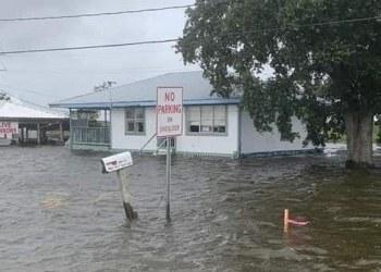 Ciudadanos de Texas y Louisiana son desalojados de sus hogares por mal clima 1