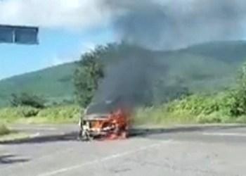 Incendian camioneta en Iguala, Guerrero 8
