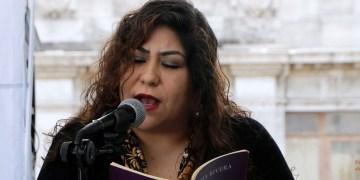 """""""La horrible verdad es que la poesía no obedece las órdenes de nadie"""": María Rivera 9"""