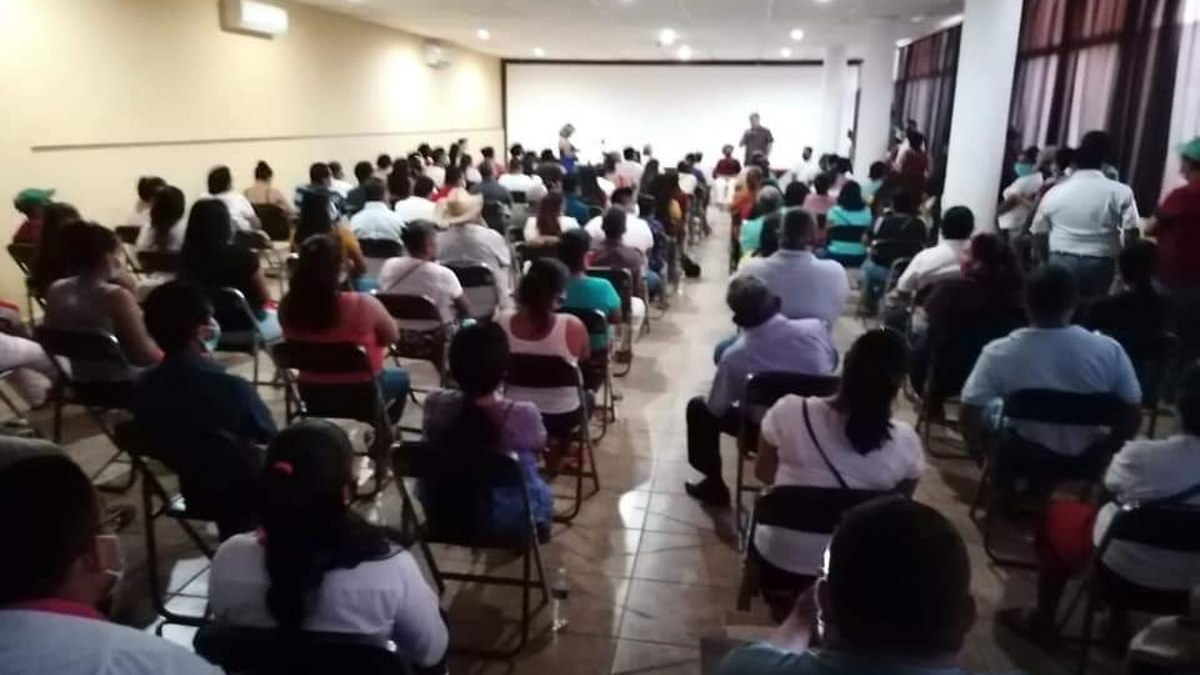 Perredistas de Costa Chica se van con Pablo Sandoval; rechazan alianza PRI-PRD
