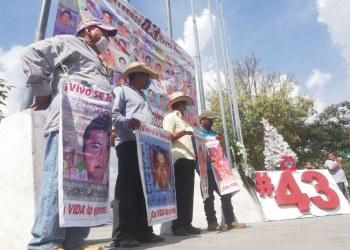 Seis navidades con 43 mesas vacías; exigen agilizar caso Ayotzinapa 7