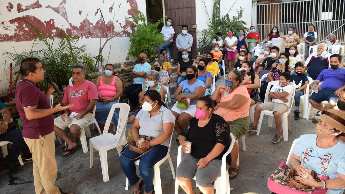 Acapulco aspira a un gobierno honesto, dice Javier Solorio a vecinos de la Morelos 1