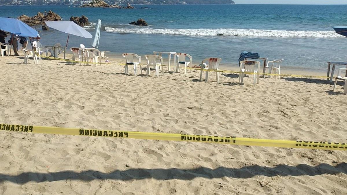 Matan a comerciante frente a turistas y huyen en moto acuática en Acapulco 1