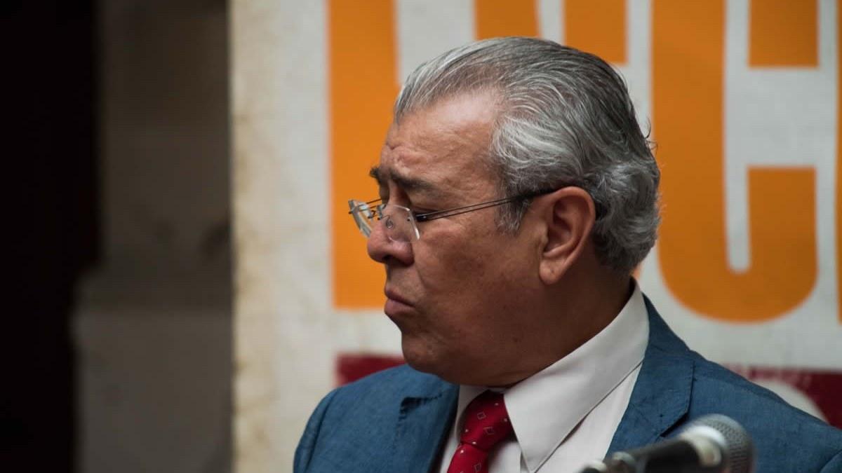 Lo que falta a la poesía mexicana es crítica: Evodio Escalante 6