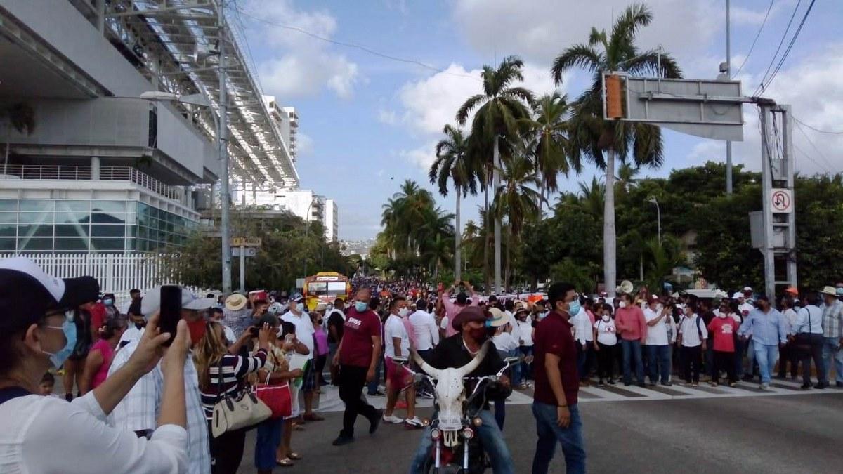 Marchan contra imposición de candidatos en Acapulco que hicieron Félix Salgado y Marcial Rodríguez 3