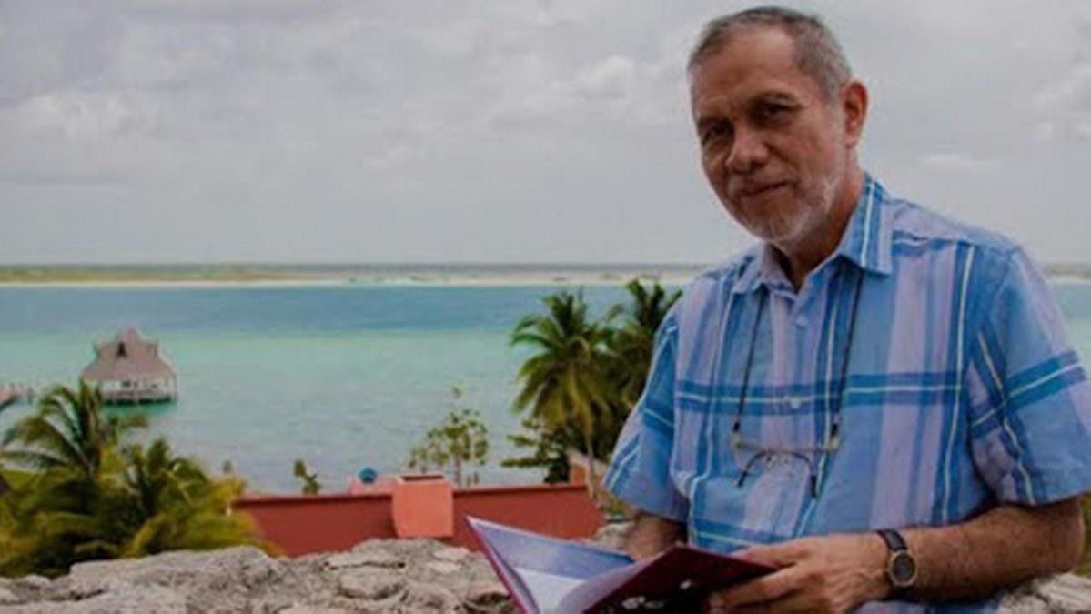 No leer poesía es prejuicio educativo, hay que educar al maestro: Suárez Caamal 4