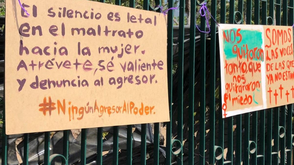 Activistas repudian candidatura de Félix Salgado con pancartas en Acapulco 2