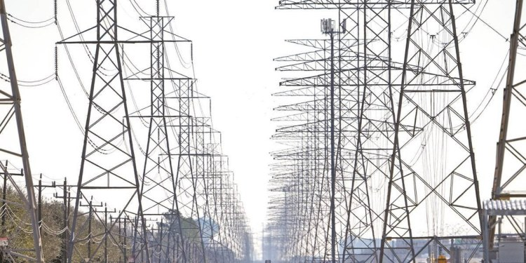 Juez otorga 11 suspensiones definitivas más a la reforma eléctrica de AMLO 1