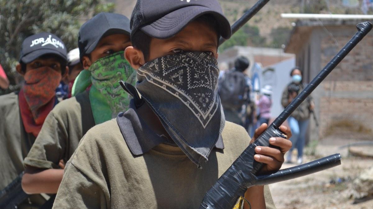 Guerrero: los niños armados de la Montaña; los preparan para enfrentar criminales   Fotos 1