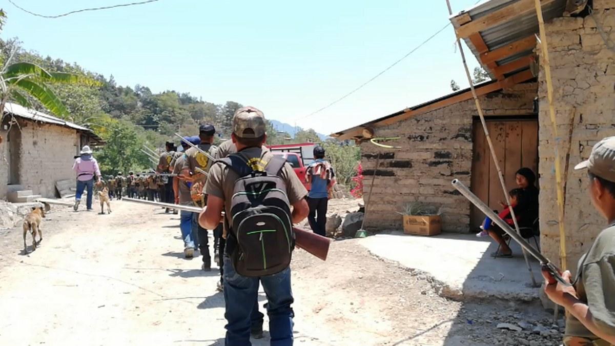 Guerrero: los niños armados de la Montaña; los preparan para enfrentar criminales   Fotos 4