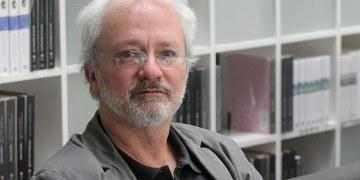 Francisco Segovia: no hay buena crítica de poesía en México; la academia es timorata 5
