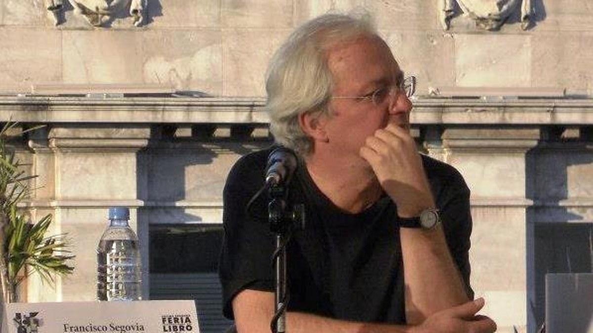 Francisco Segovia: no hay buena crítica de poesía en México; la academia es timorata 1