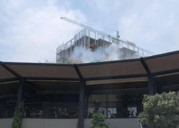 Arde restaurante en plaza Averanda de Cuernavaca 7