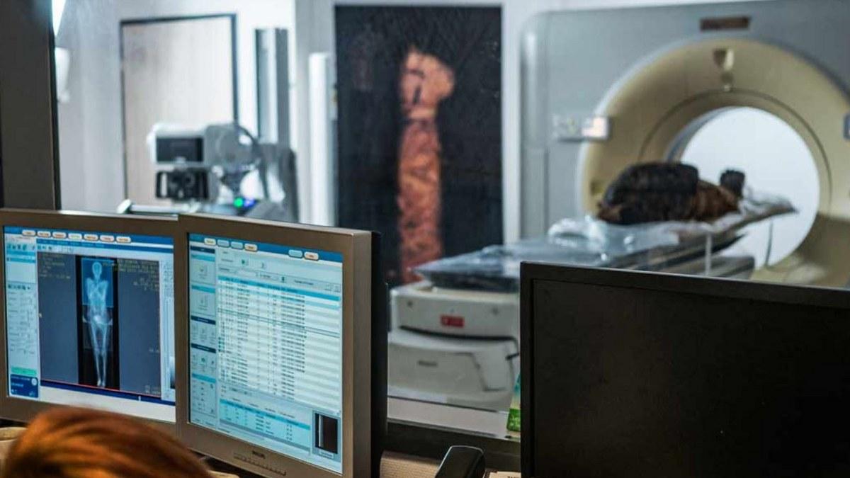 Descubren la primera momia egipcia embarazada del mundo 1