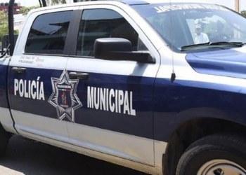 Exhiben a Policías de Tabasco acosando a jovencitas desde su patrulla 8