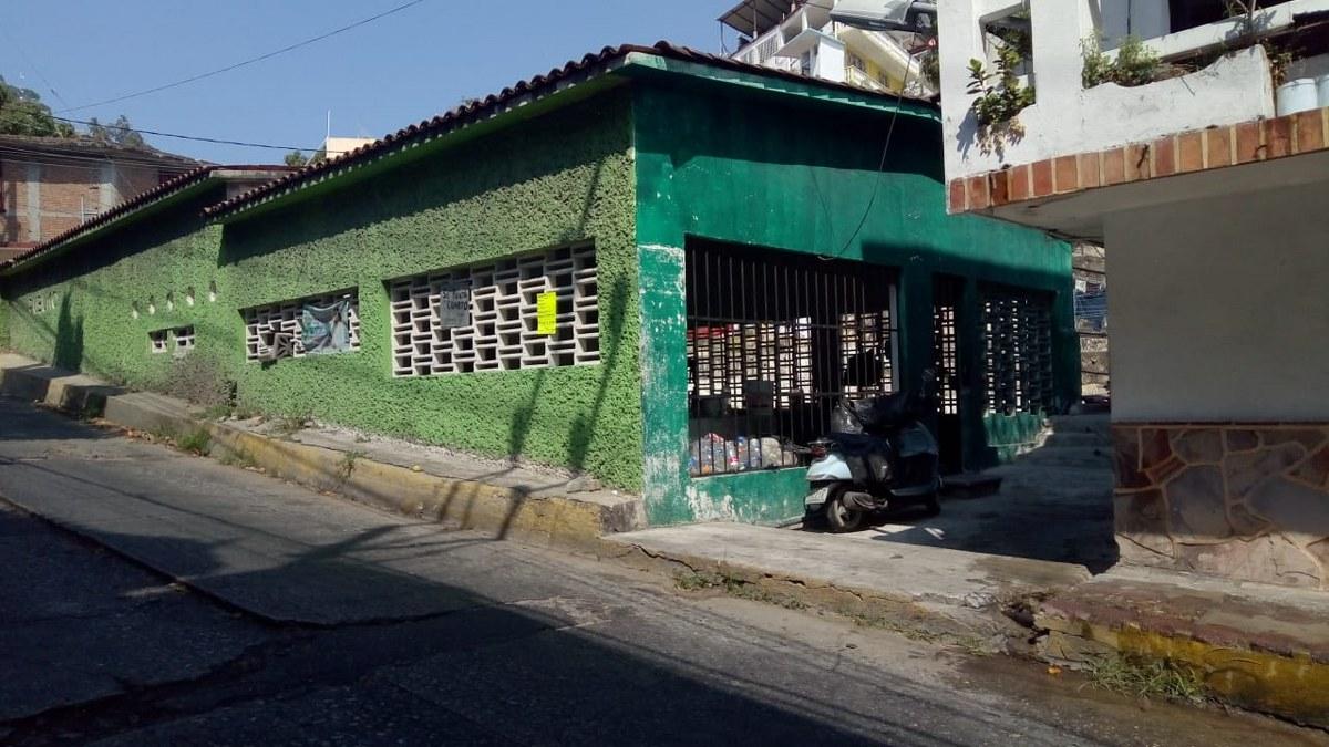 Acapulco: Tomás lava ropa en los lavaderos de 'Los Naranjitos' para mantener a su sobrino 2