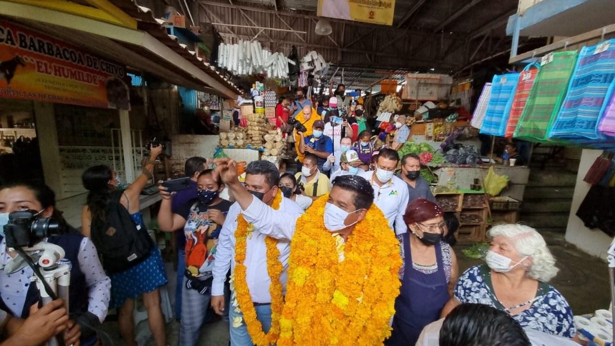 Mario Moreno recibe apoyo del comercio en Chilpancingo; habrá seguridad para todos, confirma 2