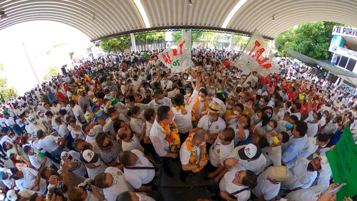 Ricardo Taja y Mario Moreno reciben apoyo masivo de transportistas en Acapulco 1