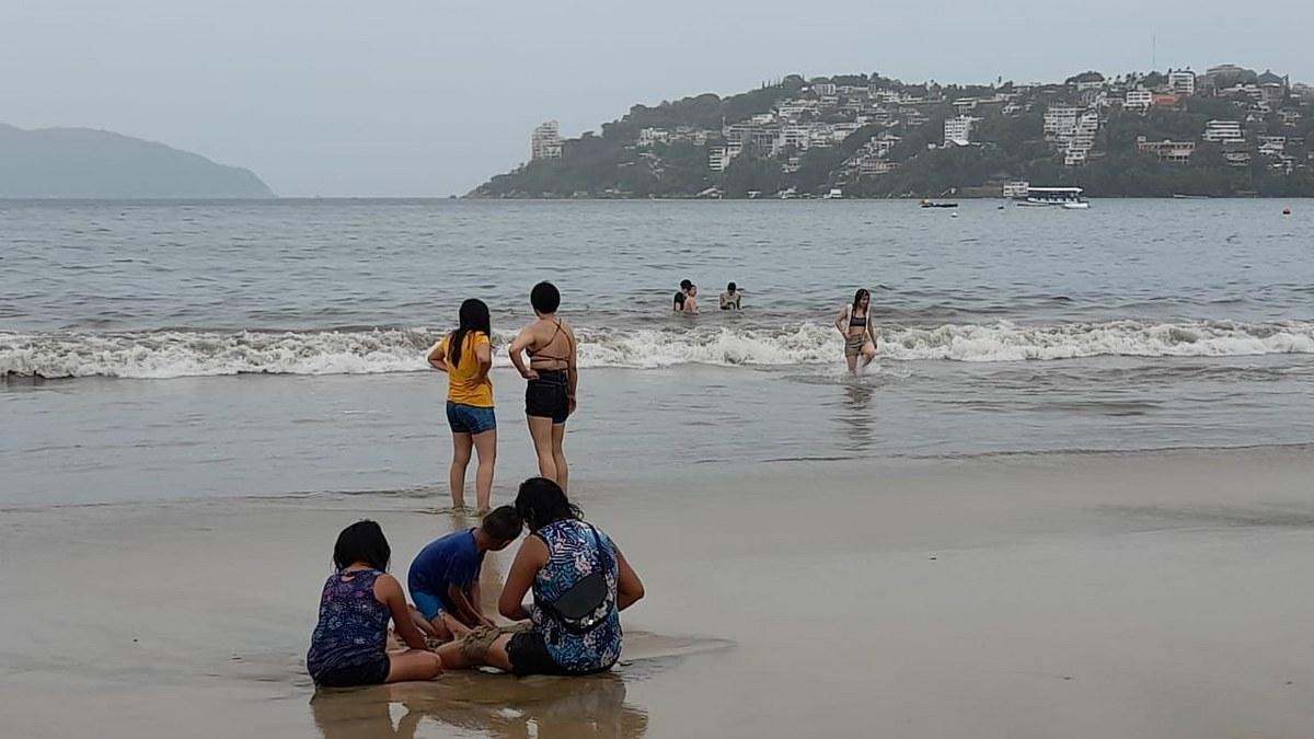 """""""Dolores"""" no frena arribo de turistas a Acapulco; registra 57% de ocupación 2"""