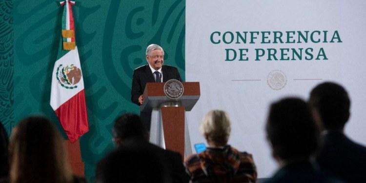 """AMLO inaugura el """"quién es quién"""" de las fake news; niega espionaje a periodistas 1"""