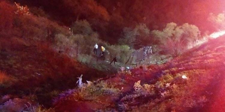 Autobús de pasajeros cae a barranco en Jalisco; hay 40 heridos 1