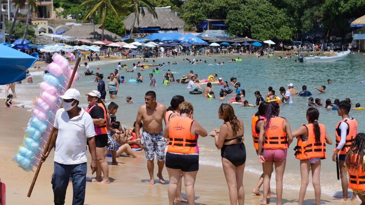 ¿Cuál Covid? Turistas atiborran playas de Acapulco; la mayoría sin cubrebocas   Fotos 6