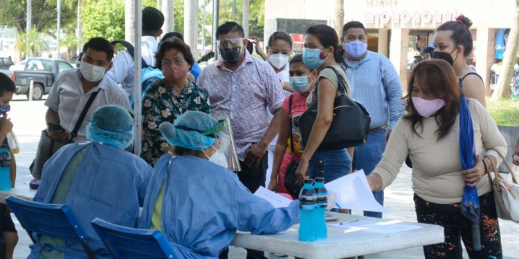Incrementan contagios en Acapulco; Alcaldesa dice que se debe cambiar el semáforo 1