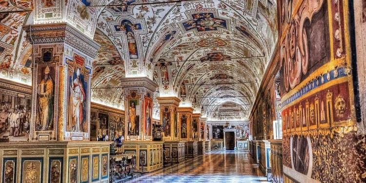 El Vaticano exhibe por primera vez parte de su riqueza inmobiliaria en Italia y el mundo 1