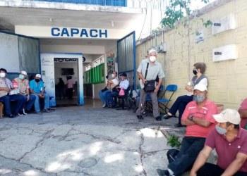 Toman sistemas de agua trabajadores de Capach; exigen diversos pagos 5