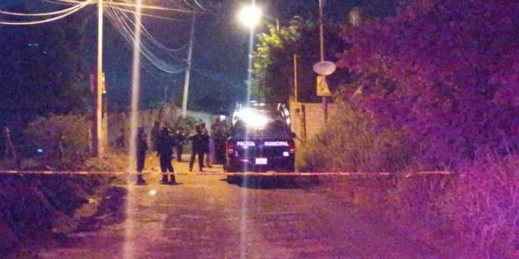Dejan dos cadáveres maniatados en poblado de Cuernavaca 1