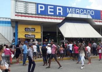 Al grito de libertad, cubanos protestan contra desabasto y precios elevados de alimentos 9