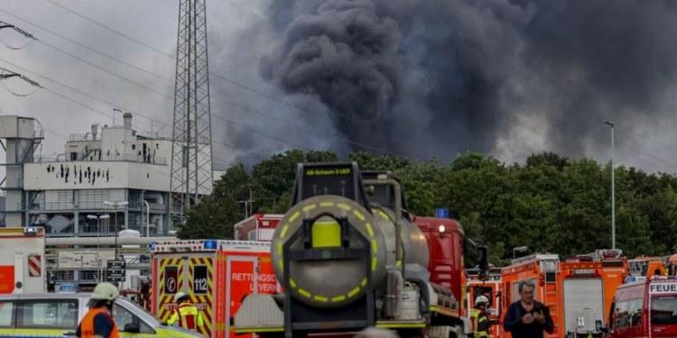 Explota planta de tratamiento en Alemania; hay un muerto y 16 heridos 1