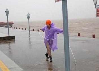 El tifón In-fa golpea costa de China y cancelan vuelos; hay más de 300 mil evacuados 5