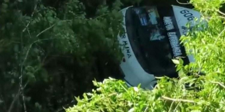 Urvan cae a barranco en Chilpancingo; hay un muerto y 15 heridos 1