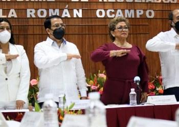 """Insensible con la tragedia en Acapulco, alcaldesa rinde último """"informe de logros"""" 8"""