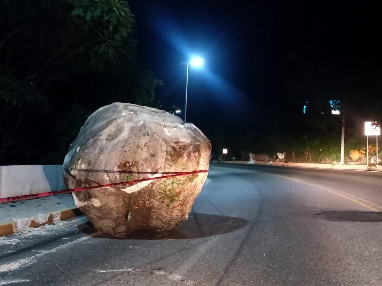 Tras sismo, cierran la escénica, macro - maxitunel y aeropuerto de Acapulco  - Bajo Palabra