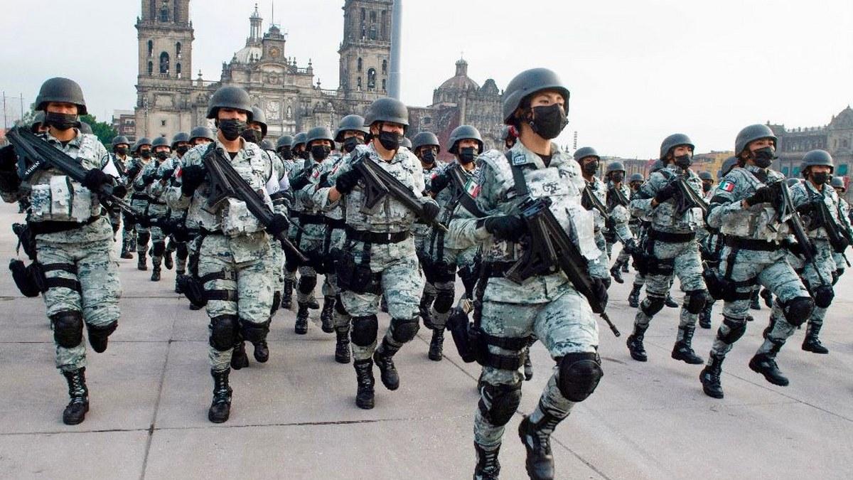 Desfile Cívico Militar por el 211 Aniversario del inicio de la Independencia de México | Fotos 9
