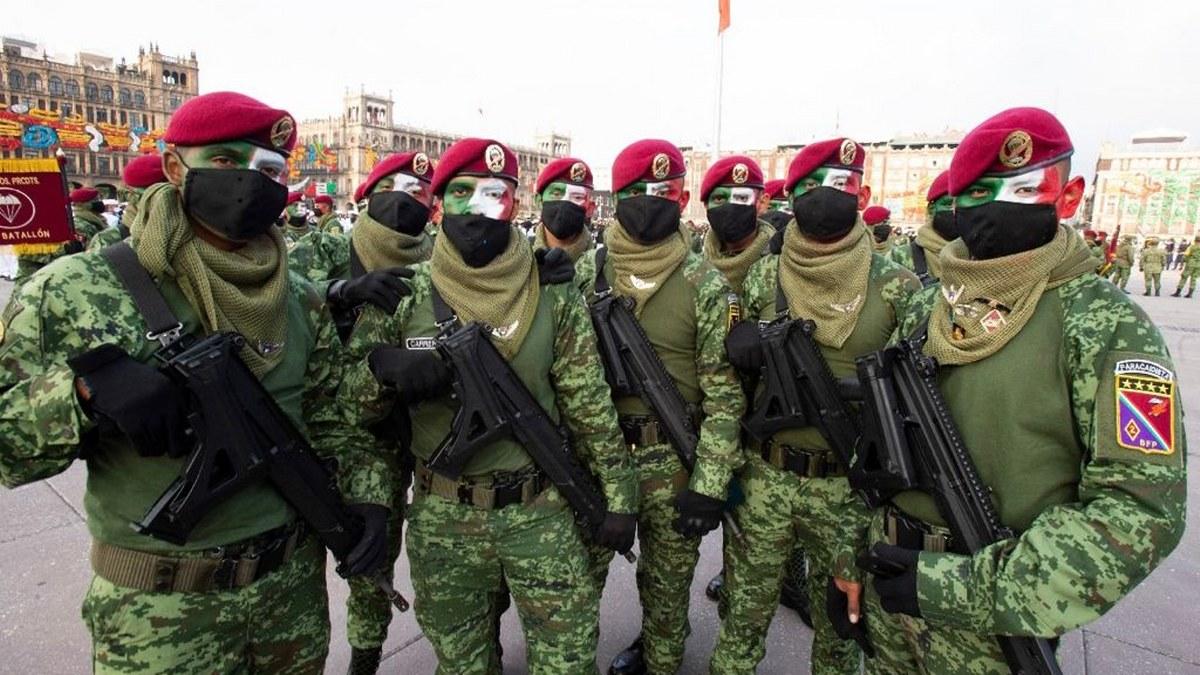 Desfile Cívico Militar por el 211 Aniversario del inicio de la Independencia de México | Fotos 6
