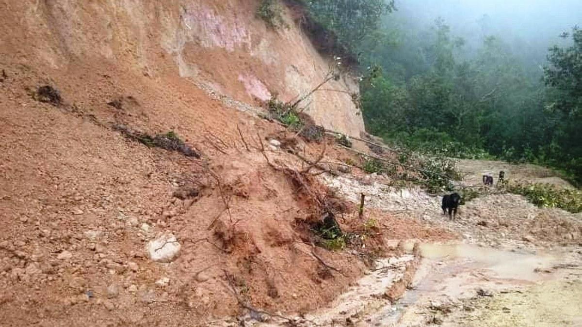 Lluvias torrenciales y derrumbes causan estragos en comunidades de Atlamajalcingo 2