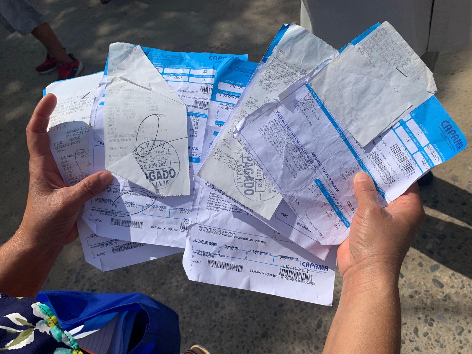 """Colonos protestan por falta de agua y """"obras mal hechas"""" en Acapulco; exigen a AMLO juicio para Adela Román 2"""