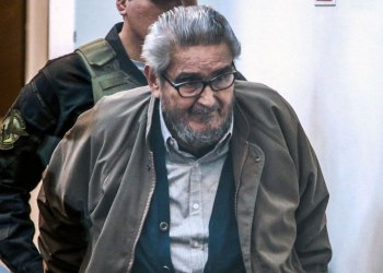 Perú aprueba cremar el cadáver de Abimael Guzmán, fundador de Sendero Luminoso 3