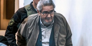 Perú aprueba cremar el cadáver de Abimael Guzmán, fundador de Sendero Luminoso 2