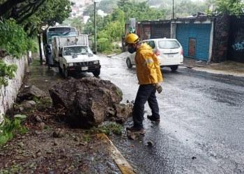 Inundaciones, deslaves y vehículos varados; saldo de las lluvias en municipios de Morelos 8