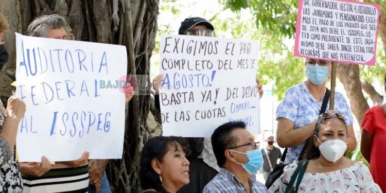 Acapulco: jubilados piden pago de pensiones y auditar al ISSSPEG 1