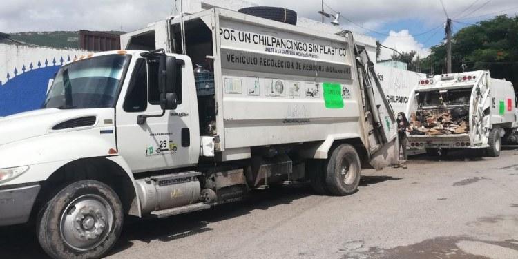 """Empleados de Servicios Públicos protestan en Chilpancingo; """"Toño"""" Gaspar no les paga 1"""