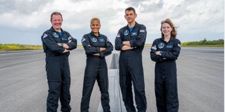 SpaceX lanzará al espacio la primera misión con tripulación totalmente civil 1