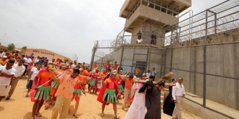 Más de 500 internos representarán viacrusis en reclusorios capitalinos