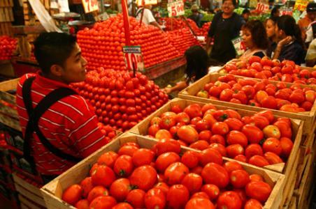 Más barato el jitomate en mercados que en tiendas de autoservicio