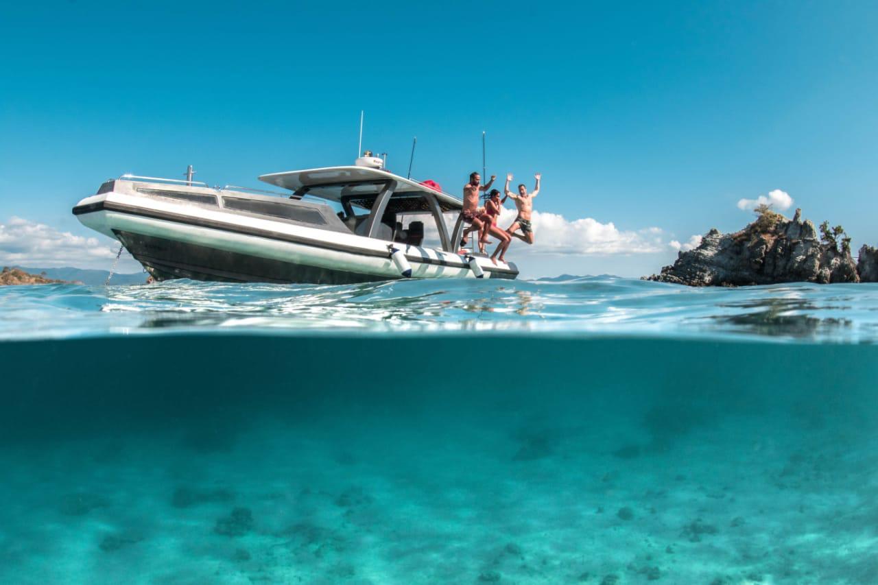 Luxury fastboat rental komodo, tangaroa speedboat, speedboat rental labuan bajo, how to get to komodo island, speedboat rental pricelist 2019 2020, komodo speedboat charter