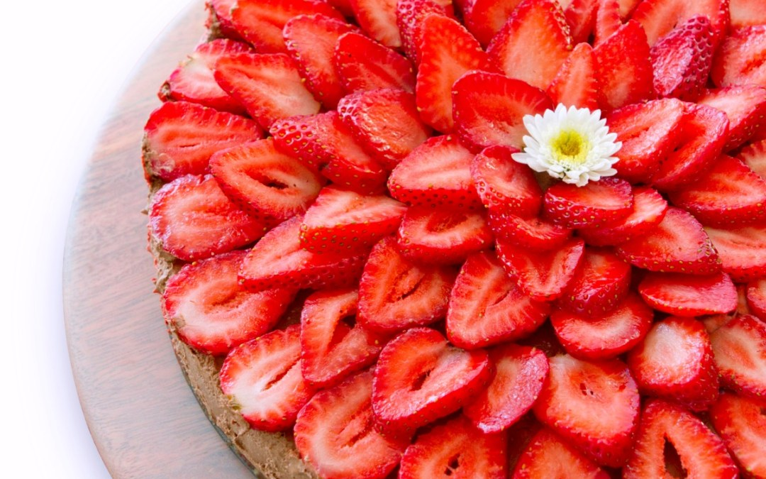 The Plantpower Way: Strawberry Mint Cacao Cheesecake